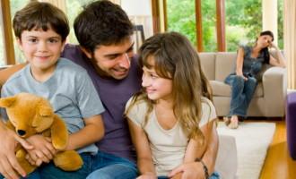 Custodia fizica comuna si interesul copilului in diferite structuri familiale